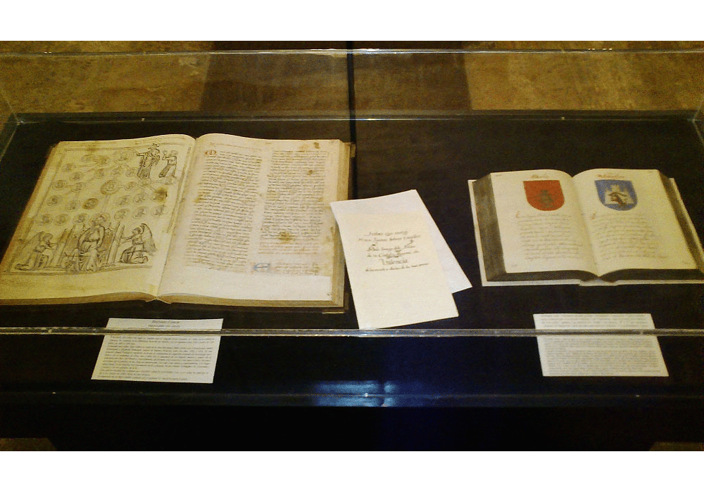 Facsimile codices of Breviari d'Amor and Codex of emblems
