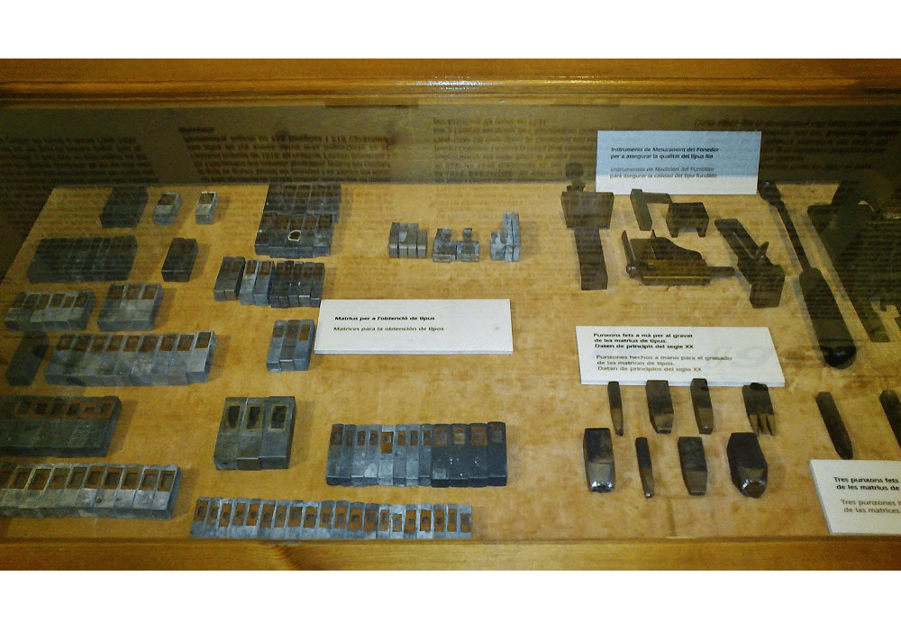 Gravers and moulds of types